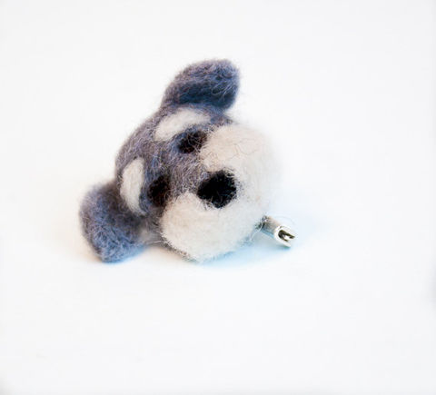 Needle,felted,Schnauzer,brooch,dog,jewelry,Jewelry,Brooch,Felt,Schnauzer brooch,animal brooch,needle felted brooch,pet lover gift,gifts under 15,grey,dog brooch,dog pin,felt brooch,eco friendly,kids jewelry,Schnauzer jewelry,Schnauzer art,wool roving,secure pin back