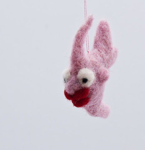Angelfish,needle,felted,miniature,in,pink,with,kissing,lips,Needlecraft,Felted,Animal,angelfish,needle_felted,kiss,love,tiny,red,decoration,pendant,fish,wool_roving,embroidery_floss