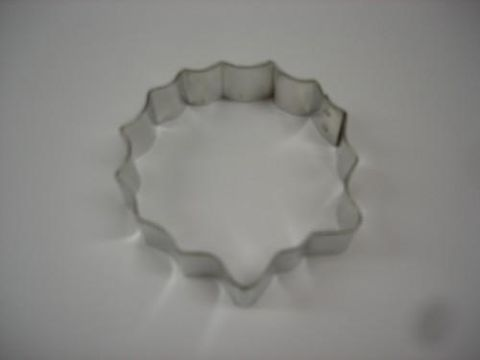 Cookie,Cutter,Wreath,Three,Inch,wreath, cookie cutter, wilton,baking supplies,kg krafts,kitchen,cookies