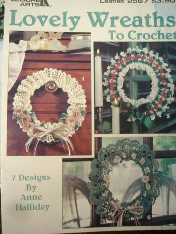 Lovely,Wreaths,to,Crochet,by,Anne,Halliday,knit, crochet, annie halliday, wreaths, roses, flowers, pansies, daisies, home decor,kg krafts