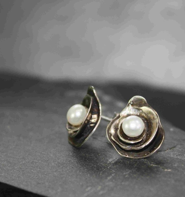 Trinity Rose  pearl earrings - product images  of