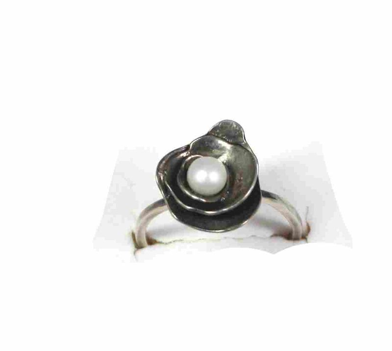 Trinity Rose Pearl ring - product images  of
