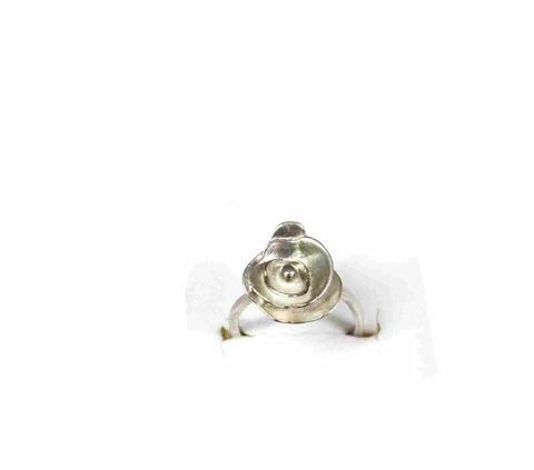Trinity,Rose,ring,silver earrings, sterling silver earrings, silversmith, jewelry artists,posts, studs, pearls, fresh, metalsmithed, villain, accessories rose, floral, gold, gold earrings, gold smithed
