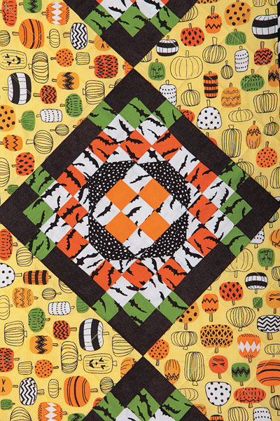 Simply Batty Halloween Fall Autumn Table Runner Kit 13