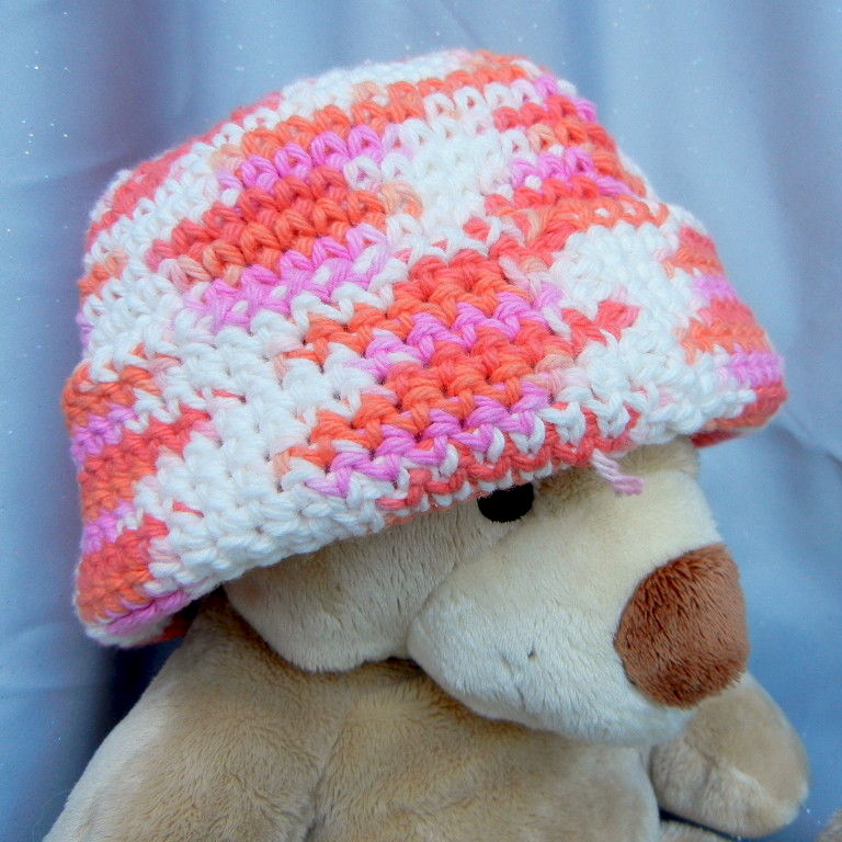 Crochet Beanie Hat Red and Pink Stripes - product image