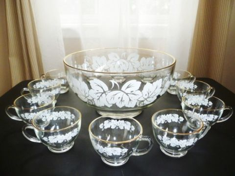 Vintage,Anchor,Hocking,Punch,Bowl,Set,for,12,,White,Grape,Leaves,adorn,Bowls,anchor hocking, punch bowl, vintage wedding, bridal shower punch bowl, party punch bowl, Anchor hocking grape leaves, vintage barware,cocktail party, tv movie prop, 1960's party, Anchor Glass