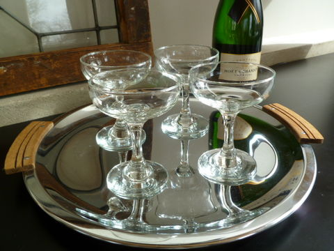 Vintage,Champagne,Coupe,,Classic,Saucer,Glasses,Crafted,Cocktail,Glasses,,Set,of,Four,champagne coupe, champagne glasses, champagne saucers,craft cocktail glasses,vintage cocktail glasses, vintage champagne glasses