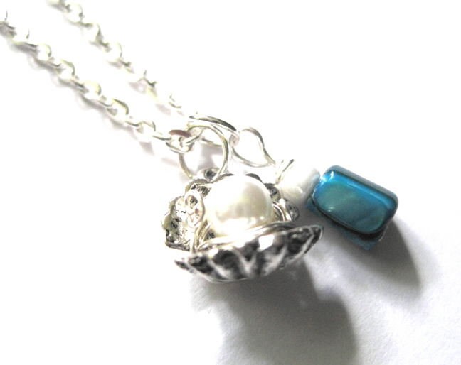 Oyster Sea Shell Pearl Necklace, Sea Shell Blue Mother of Pearl - product images  of