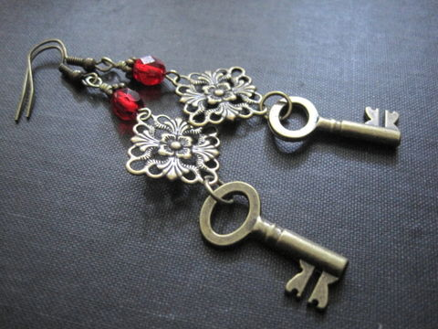 Victorian,Vampire,Brass,Key,Filigree,Dangle,Earrings,Victorian Vampire Brass Key Filigree Dangle Earrings, skeleton key,  victorian vampire jewelry, gothic jewelry, vampire, gothic vamp
