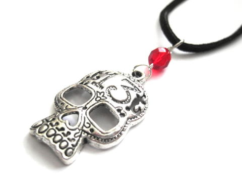 Big,Metal,Skull,Cord,Necklace,,Skullie,Choker,Big Metal Skull Cord Necklace, large skull choker necklace, lucky 13 metal skull, skullie, skully, skellie, unisex cord necklace