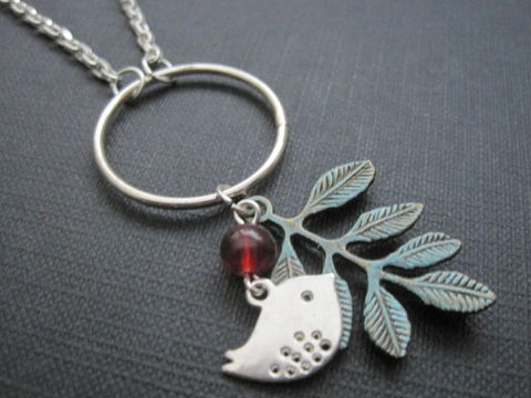 Silver,Bird,Patina,Brass,Leaf,Circle,Necklace,bird necklace, love bird necklace, patina leaf necklace, silver, patina, bird, love bird, branch, leaf, circle, ring, vamps jewelry, red, green, brass, handmade, fashion jewelry, vintage style jewelry, romantic jewelry