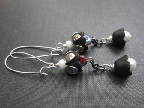 Black,Flower,Pearl,Dangle,Earrings,,Midnight,Flowers,black flower earrings, pearl earrings, floral earrings, vamps jewelry, handmade, black, white, red, silver, midnight flowers, romantic earrings gothic victorian jewelry, flower jewelry
