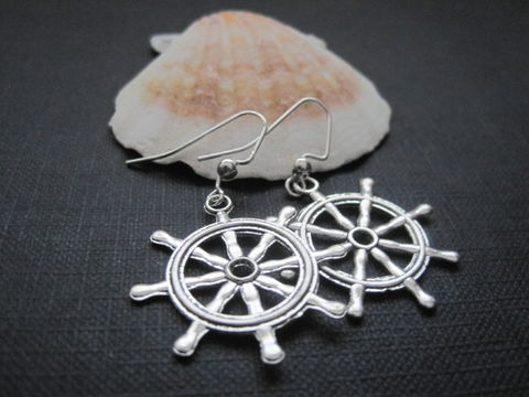 Ships,Wheel,Nautical,Dangle,Earrings,Ships Wheel Nautical Dangle Earrings, captains wheel, beach jewelry