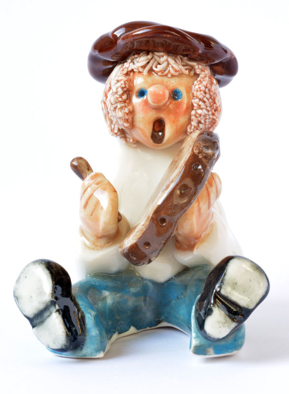 little man - bodhran player - abbeycrafts - irish crafts