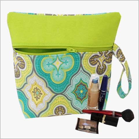 Blue,and,Green,Morrocon,Design,Makeup,Wristlet,Clutch,Blue Morrocon Print Makeup Bag, Morrocon Designs, Blue and Green, Blue Makeup Wristlet, Wrislet Clutch
