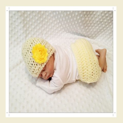 Newborn,Girls,Yellow,Hat,and,Diaper,cover,Set,Yellow Diaper Cover Set, 2pc hat and diaper cover set, shabby chic flower