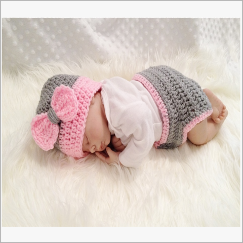 Grey,and,Pink,Bow,Diaper,Cover,Hat,Set,Pink and Grey Diaper cover Set , diaper set, pink, grey, baby shower gift idea, baby girl hat set