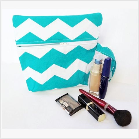 Turquoise,and,White,Chevron,Make,up,Wristlet,Chevron make up bag, Turquoise Wristlet, Chevron, make up bag