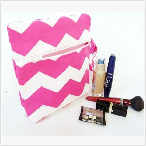 Pink,and,White,Chevron,Make,up,bag,Wristlet,Chevron make up bag, Pink Chevron wristlet, pink Chevron Clutch
