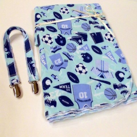 Boys,Ex-Large,Blue,Sports,Receiving,Blanket,with,matching,Bib/Stroller,clip,Swaddler, Ex-Large Receiving Blanket, sports, footballs, tennis balls, soccer ball, baseball, baseball bat, helmuts, sports jerseys, white, bib clip, stroller clip, tummy time, infant car seat cover, nursing cover, baby blanket, newborn, boys
