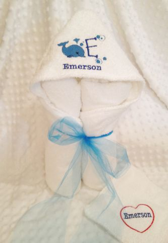 Hooded,Bath,towel,with,Whale,design,-,Personalized,Hooded baby towel, bath towel, swimming towel, newborn, baby shower gifts