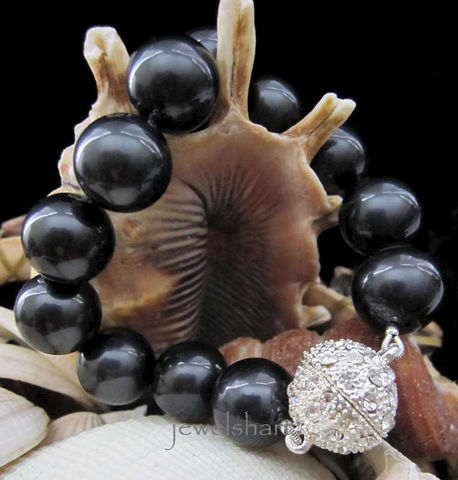 Large,Black,Pearl,Bracelet,Jewelry,Shell,pearl_bracelet,large_pearls,knotted_pearls,rhinestone,smokey_black,mother_of_pearl,magnetic_clasp,black_pearls,black_pearl_bracelet,hand_knotted,knotted_bracelet,black_bracelet,black_pearl_jewelry,mother of pearl,rhinestone magnetic