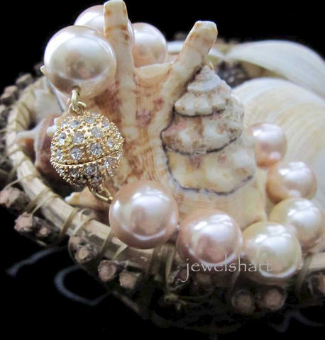 Large,Pearl,Bridal,Bracelet,Weddings,Jewelry,bridal_jewelry,pearl_bracelet,bridal_pearls,large_pearls,knotted_pearls,rhinestone_clasp,mother_of_pearl,magnetic_clasp,pearl_bridal,hand_knotted_pearl,bridal_bracelet,wedding_jewelry,bridal_gift,mother of pearl,rhinestone,magnet