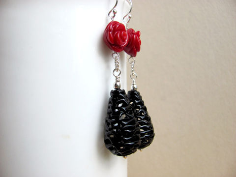 Vintage,Lace,Earrings,,Black,and,Red,Vintage Earrings, Black and Red, Czech Beads, Coral beads, Carved Coral