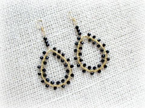 18k,Gold,Teardrop,Earrings,with,Black,Crystals,teardrop earrings,chandelier earrings,black and gold,gold earrings,18k gold earrings