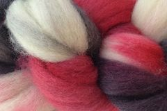 Lucky,Draw,Hand,Dyed,Wool,Roving,Wool Roving Hand Dyed Red Black White Yarn