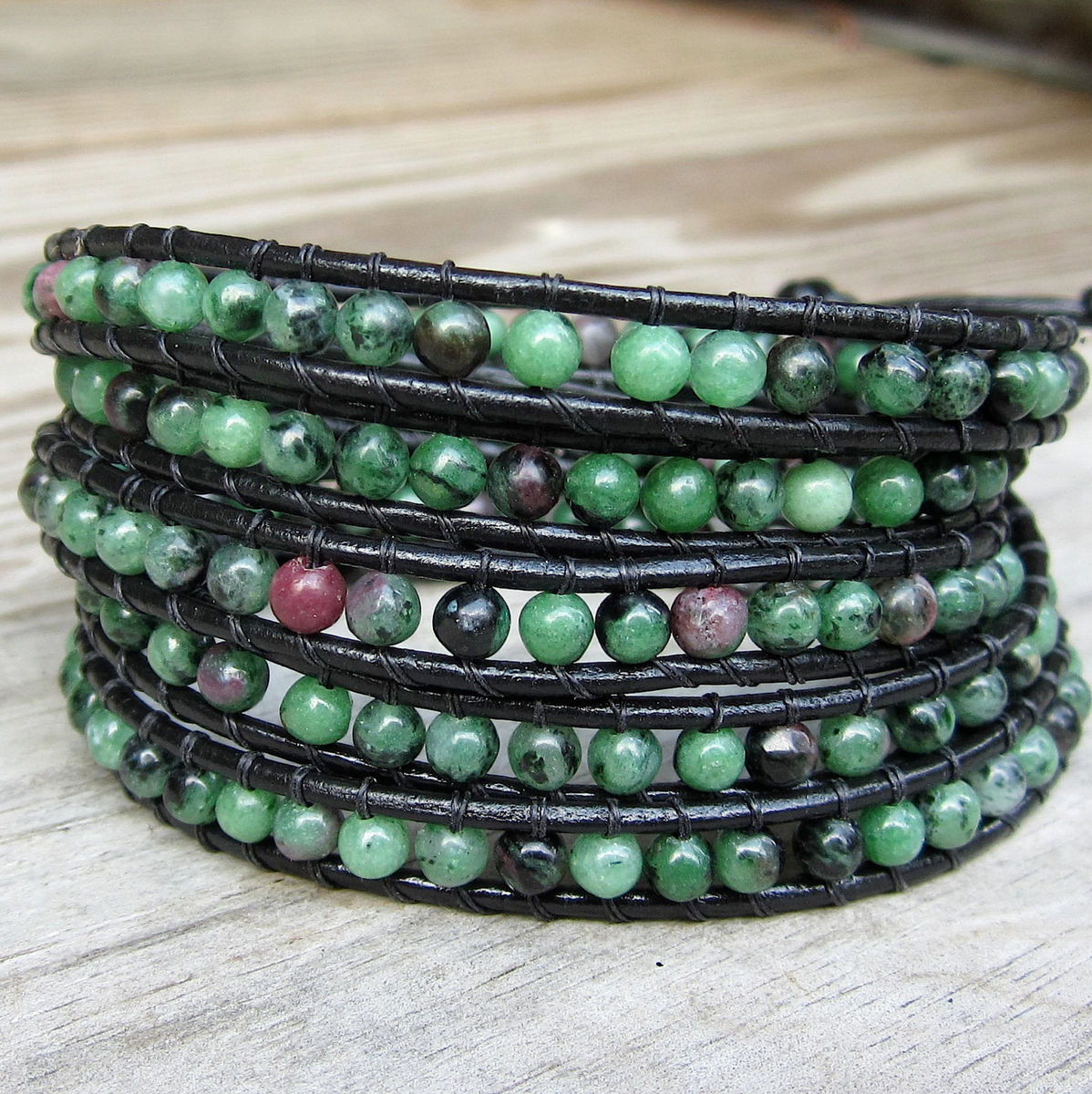 Ruby,meadow,green,ruby,zoisite,gemstone,beaded,leather,