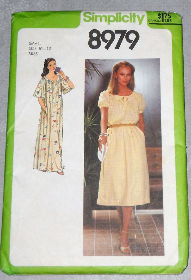 Romantic Pullover Dress 1970s Pattern. Flowy Relaxed Fit. Caftan. Muu Muu. Maxi Dress. - product images  of