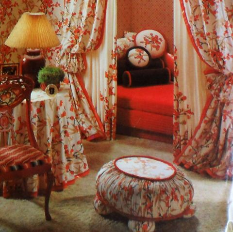 Home,Decorator,Bedroom,1970s,Pattern.,Bun,Foot,Ottoman.,Fabric,Walls.,sewinghappyplace, Sewing Pattern, Vintage