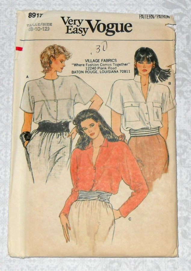 Boxy Shape Blouse 80s Pattern. Kimono Sleeves. Pockets w Flaps. Convertible Collar. Vogue 8917 - product images  of