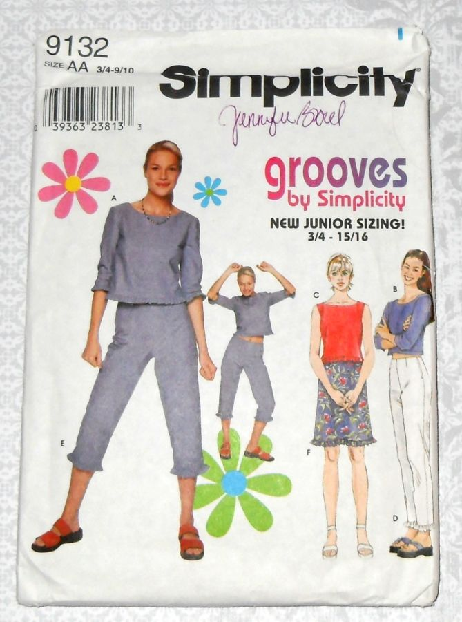 Junior Separates Ruffle Trim Pattern. Crop Top. Midriff Top. Capri Pants, Skirt. Simplicity 9132 - product images  of