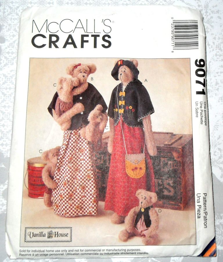 Craft Pattern for Primitive Bears, Mama and Baby and Clothing, Vanilla House, McCalls 9071 - product images  of