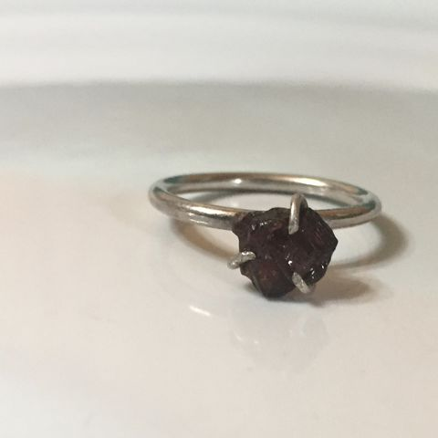Etched,Garnet,Prong,Set,Ring,in,Argentium,Sterling,Silver,garnet ring, crystal ring,sterling silver ring,argentium silver,raw garnet,prong_set_ring