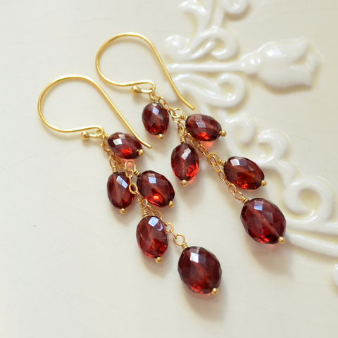 Genuine,Garnet,Dangle,Earrings,in,Gold,garnet earrings, garnet jewelry, gold earrings, dangle earrings, gemstone earrings, gemstone jewelry, red earrings