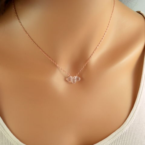 Rose,Gold,Necklace,with,Quartz,Gemstones,rose quartz necklace, rose quartz jewelry, rose gold necklace, rose gold jewelry, gemstone necklace