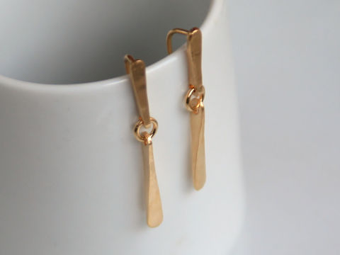 Long,18k,gold,earrings,Jewelry,Earrings,Metalwork,beatriz_fortes,aspiringmetalsteam,contemporary_jewelry,eco_friendly,18k_yellow_gold,gold_post_earrings,simple_gold_earrings,18k_gold_earrings,long_gold_earrings,long_dangle_earrings,gold_drop_earrings,18k_gold_drops,minimalistic