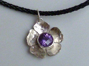 Flower,Pendant,with,Amethyst,in,Sterling,Silver,Jewelry,Metalwork,beatriz_fortes,contemporary_jewelry,eco_friendly,sterling_silver,silver_necklace,silver_flower,flower_pendant,untreated_amethyst,casual_pendant,purple_amethyst,forged_pendant,forged_flower,african_violet,sterling silver,untreated