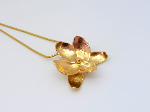 Cymbidium,Orchid,Pendant,in,18k,Gold,Flower Pendant, 18k Gold, Handmade Jewelry, Cymbidium Orchid, Fine Jewelry, Orchid Jewelry, forged gold, rose gold, yellow gold, apricot gold