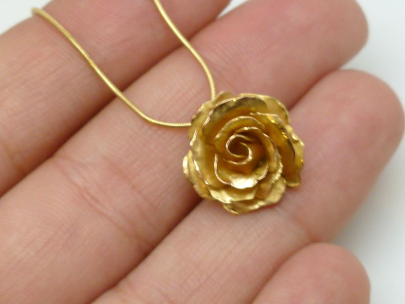 18k Gold Rose Pendant Contemporary Jewelry by Beatriz Fortes