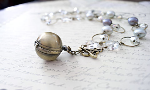 Classic,Pearl,Feminine,Steampunk,Necklace,in,Greys,feminine steampunk necklace, pocket watch necklace, pearl necklace, watch necklace, clockwork necklace, edwardian necklace, classic necklace, high fashion necklace, mother of pearl necklace, steampunk jewelry, steampunk fashion, brass jewelry, crystal nec