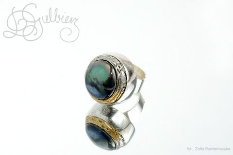 Magic,|,SILVER,CERAMIC,DOME,RING,Silver Dome Ring, ceramic green ring, bespoke jewellery