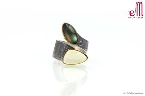 Duet,V,|,SILVER,Ring,With,Amber,And,Labradorite,SILVER Ring With Labradorite,  labradorite jewellery