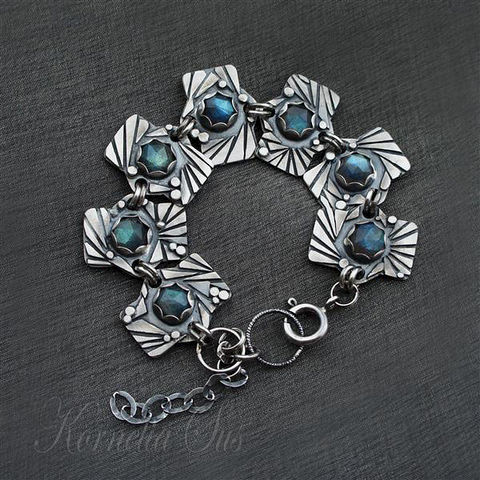 Behind,The,Curtain,Of,Eyelashes,|,SILVER,LABRADORITE,BRACELET,Silver Labradorite Bracelet, luxury jewellery