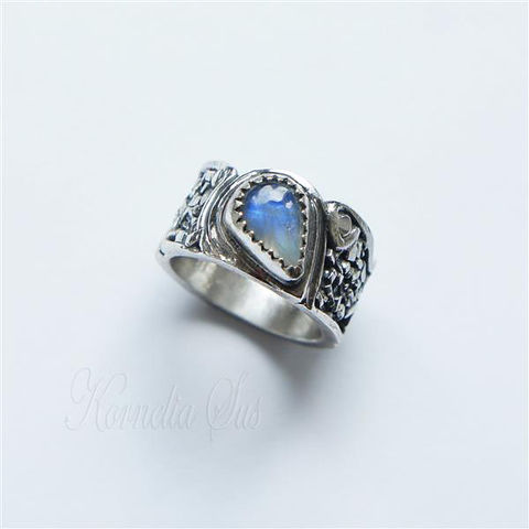 Touch,Of,The,Moon,|,Silver,Ring,With,Moonstone,Ring With Moonstone, Silver Jewellery