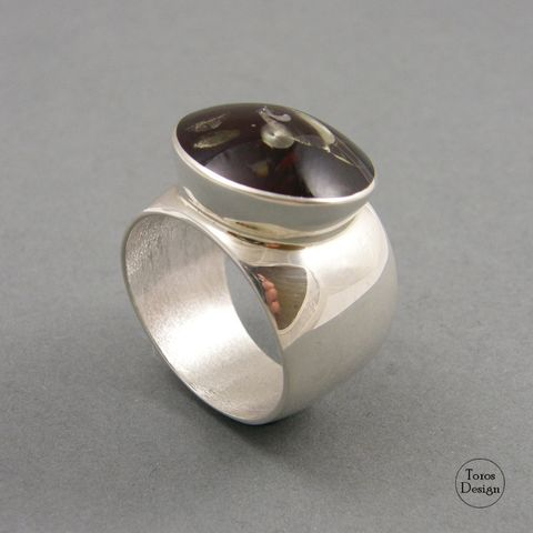 Asymmetric,|,SILVER,AMBER,RING,Silver Amber Ring, amber jewellery uk