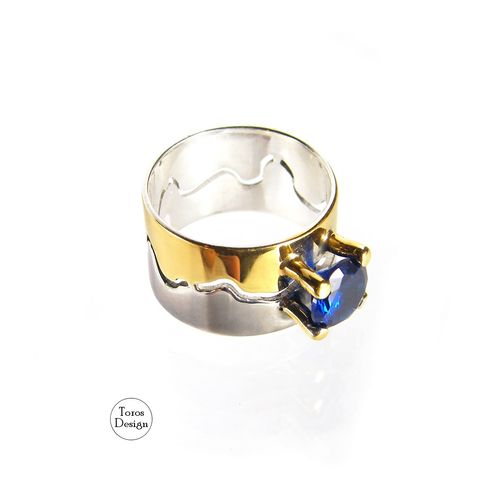 SILVER,RING,With,Faux,Sapphire,SPINEL,Silver Ring With a Faux Sapphire Spinel, luxury silver jewellery